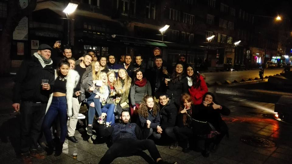 budapest pub crawl 10