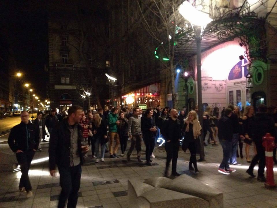 budapest pub crawl 4
