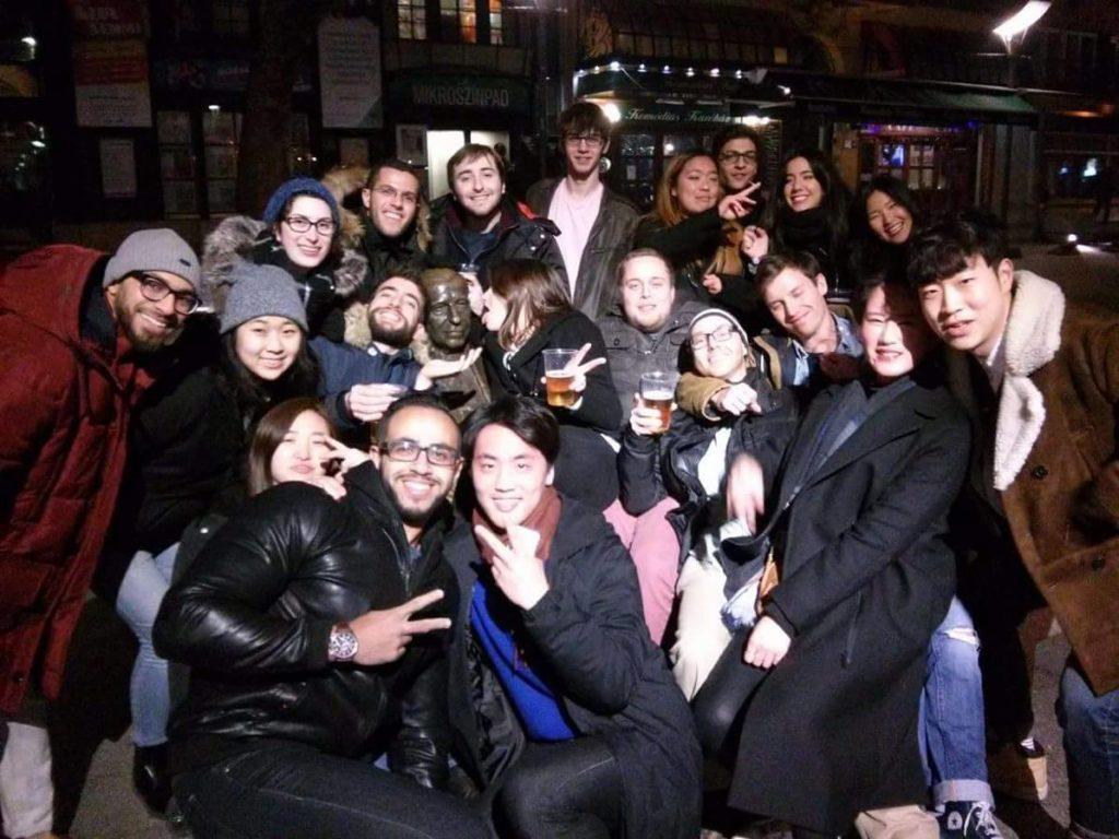 budapest pub crawl 7