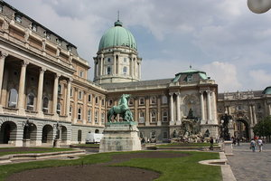 rsz_800px-budapest_castle_hill_royal_palace_6784985256